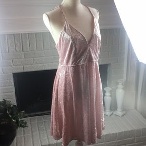 Forever 21 velour plus size OX low cut pink dress
